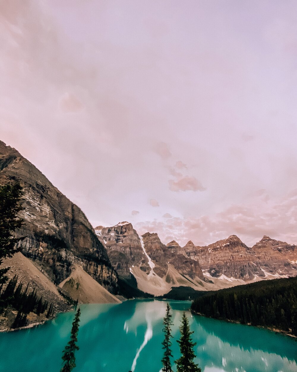 Guide to Sunrise at Moraine Lake Alberta