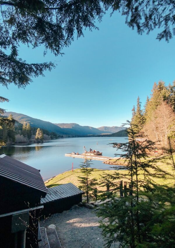 A GUIDE TO WHISTLER'S LAKES